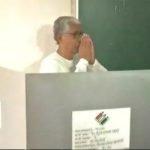 त्रिपुरा विधानसभा चुनाव: 59 सीटों पर मतदान शुरू, सीएम माणिक सरकार ने डाला वोट