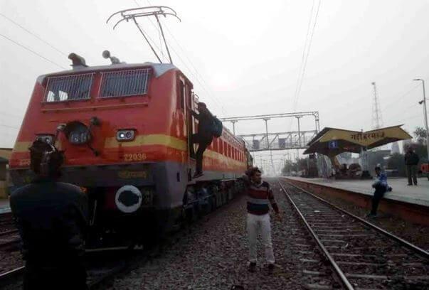 दिल्ली से रेवाड़ी तक अब जल्द दौड़ेंगे इलेक्ट्रिक से चलने वाली ट्रेनें-Panchayat Times