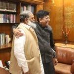 स्वास्थ्य मंत्री अनिल विज ने सोमवार को दिल्ली में केन्द्रीय रेलमंत्री पीयूष गोयल...